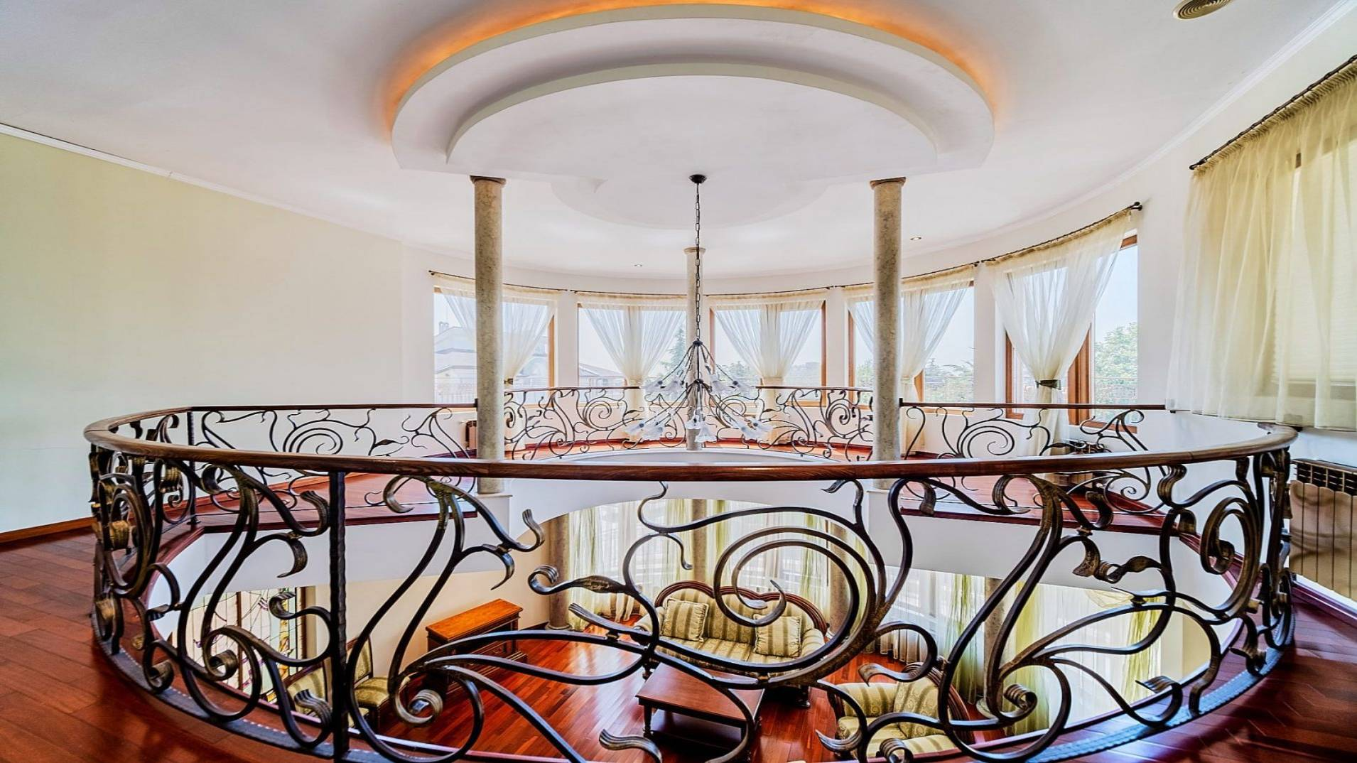 Луксозен дом в престижен район!!!